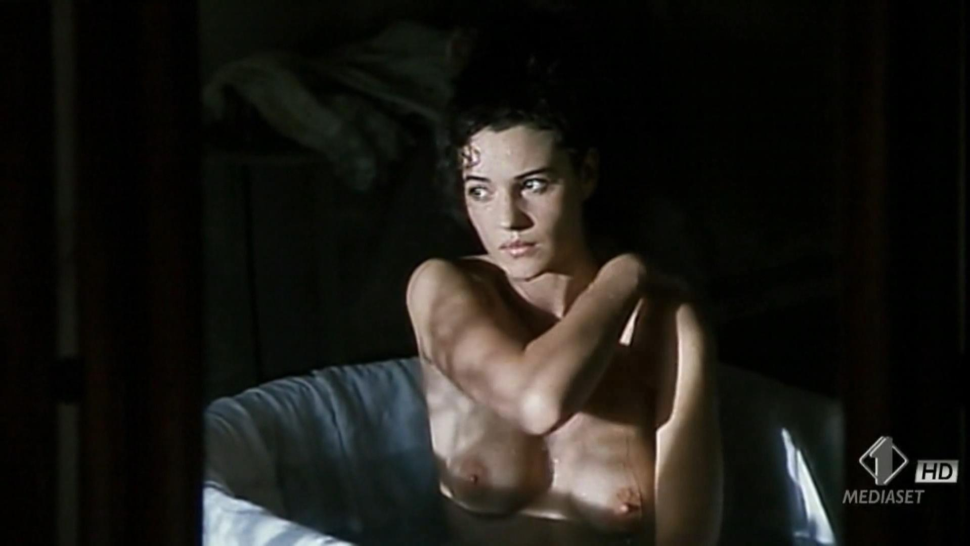 Monica bellucci hot naked